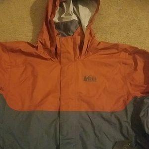 Rei Rainier rain jacket new size large